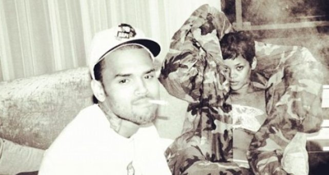 Rihanna And Chris Brown Are Instagram Hottest Couple [Photo]