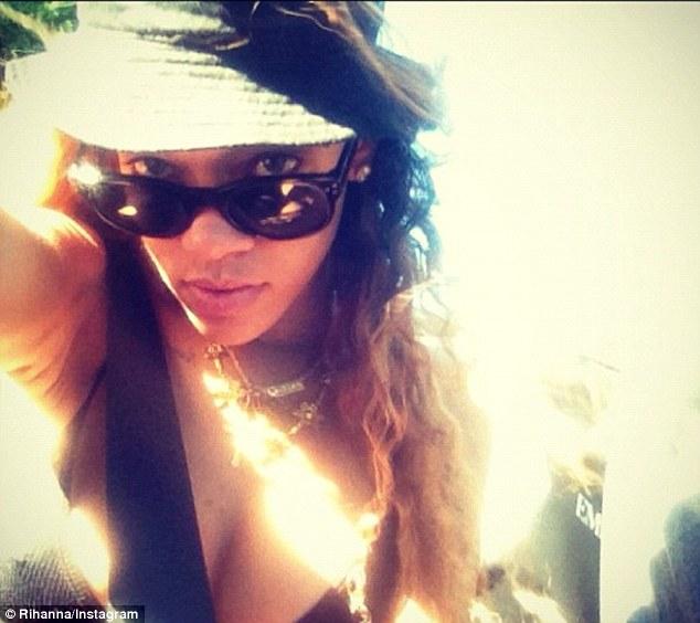 Rihanna 01212013 1