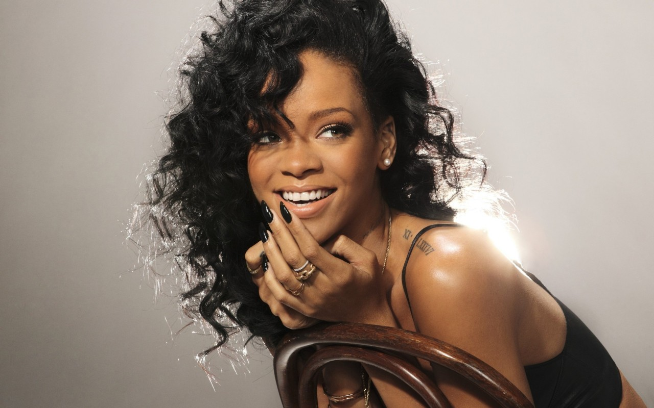 Biography: Rihanna