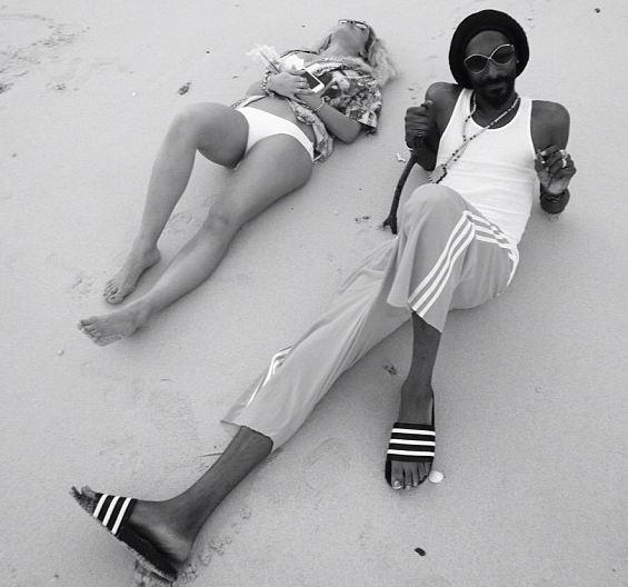 Snoop Lion and Rita Ora beach