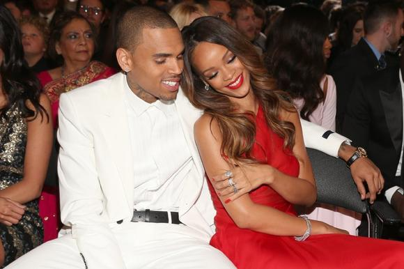 Rihanna chris brown engaged