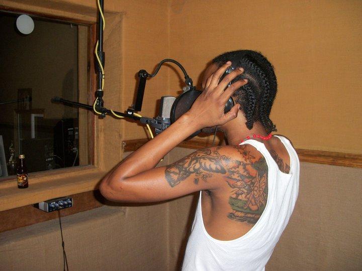 Tommy Lee in studio