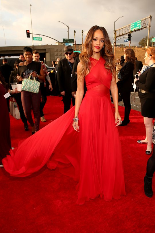 rihanna grammy red carpet 2013