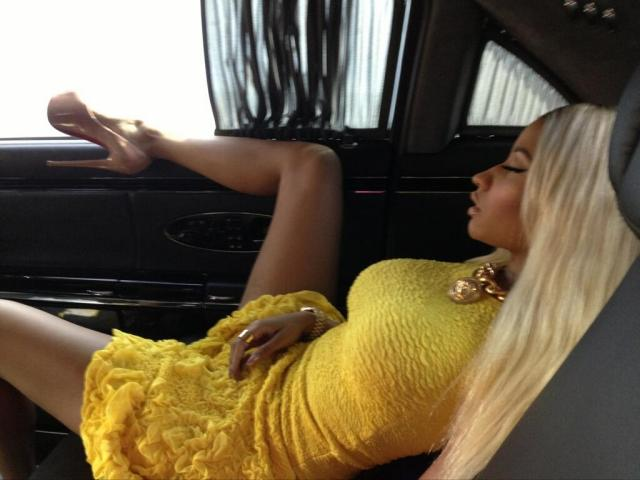 Nicki Minaj sleeping in her Maybach