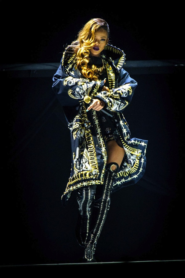 Rihanna Diamonds Tour Costume pic
