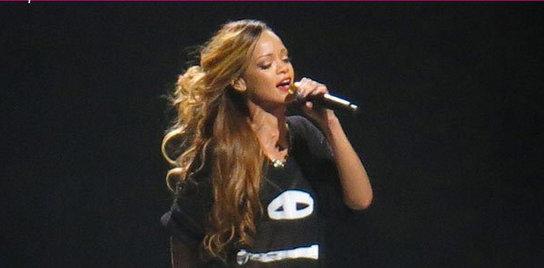 Rihanna live concert