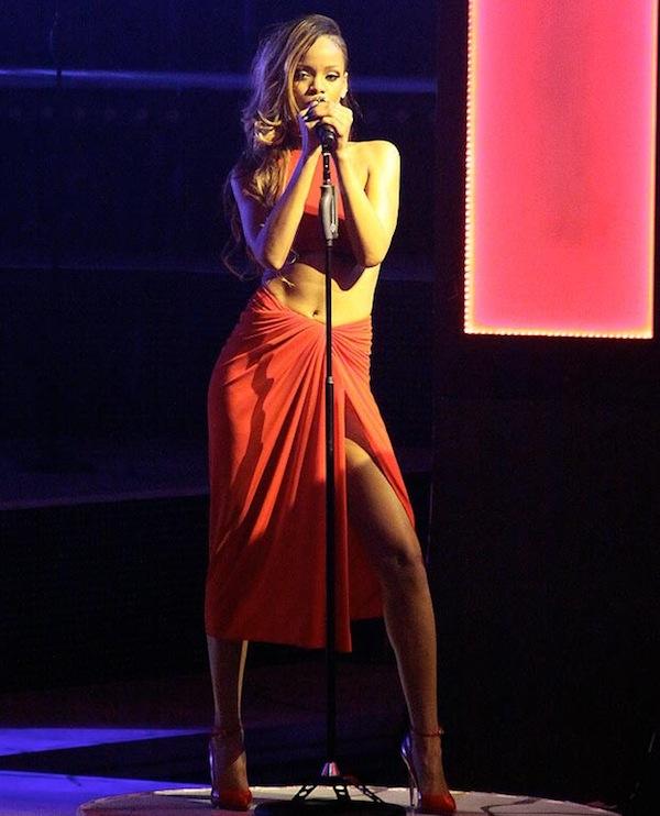 Rihanna tour 2013