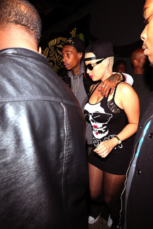 Wiz Khalifa and Amber Rose club 1