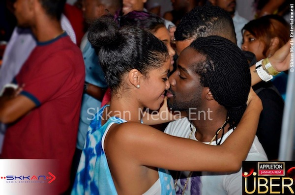 Chino and Yendi kissing