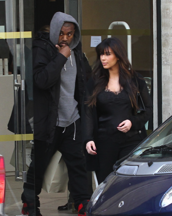 Kim Kardashian and Kanye West paris 4
