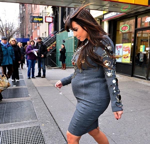 Kim Kardashian baby bump 07042013