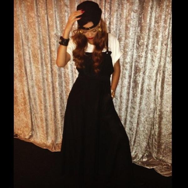 Rihanna 04042013 1