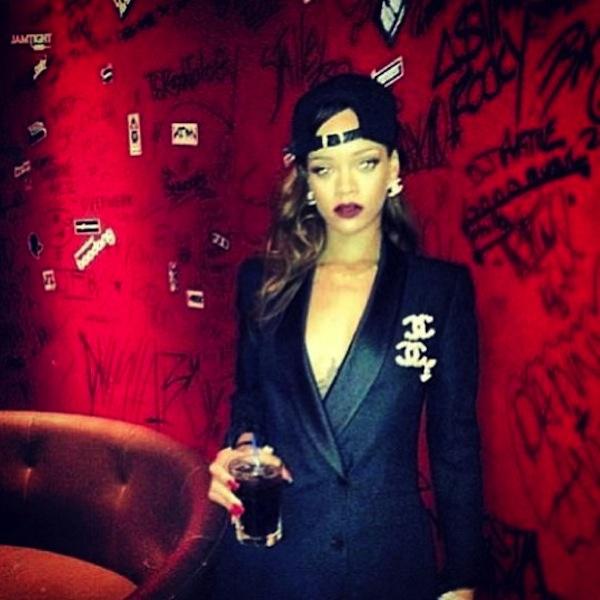 Rihanna 04042013
