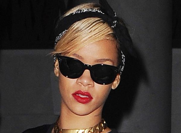 Rihanna 04102013