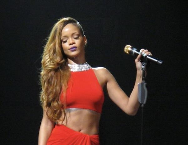 Rihanna concert photo