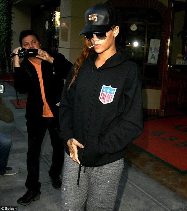 Rihanna leaving doctor office