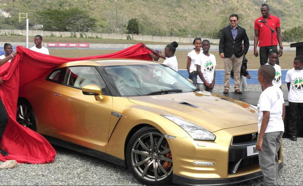 Bolt gold GT-R