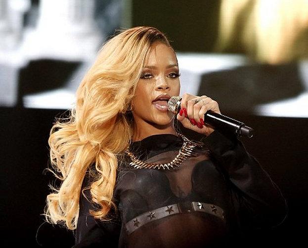 Rihanna 2014 photo