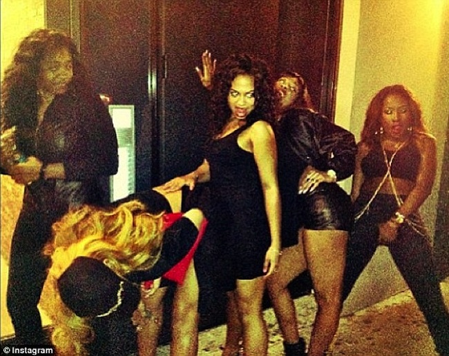 Rihanna and her girls NYC 1