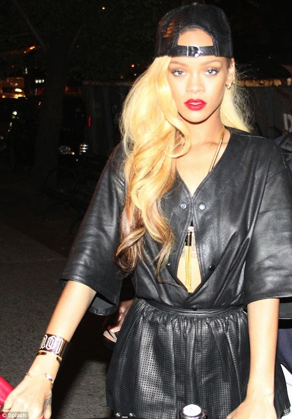 Rihanna blonde hairstyle 2014