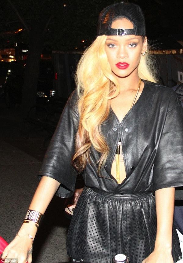 Rihanna blonde hairstyle 2014