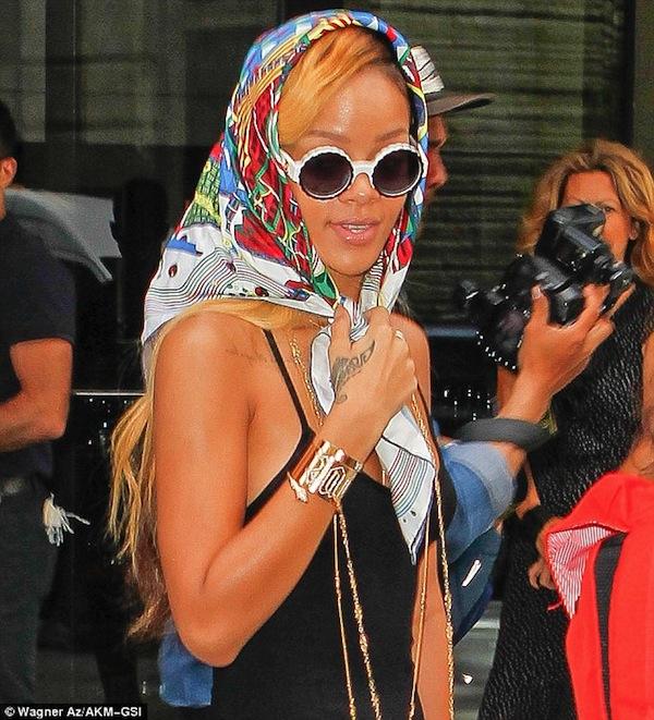 Rihanna nyc scarf 2