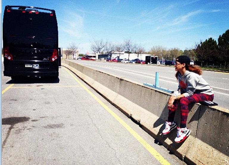 Rihanna tour bus