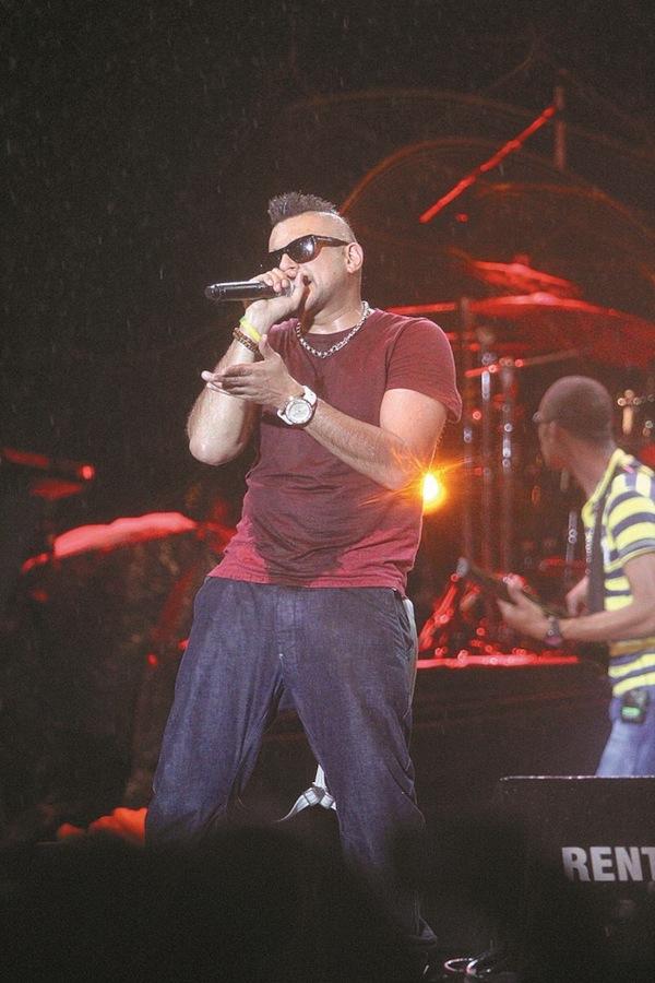 Sean Paul performing in Trinidad