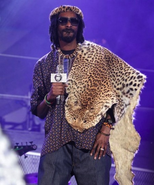 Snoop Lion in Zulu outfit
