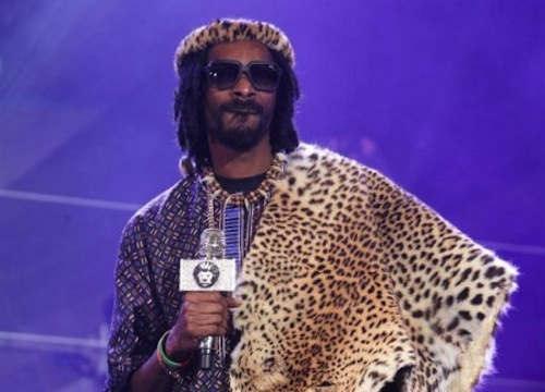 Snoop Lion in Zulu outfit