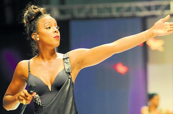 Kelly Rowland CFW