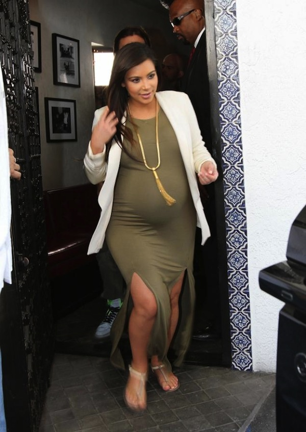 Kim Kardashian give birth