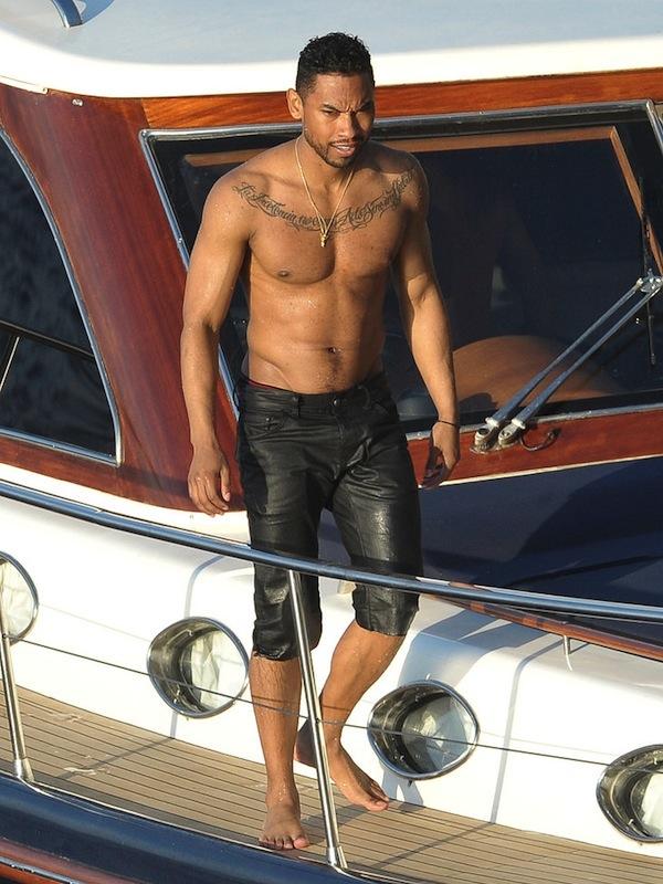 Miguel shirtless