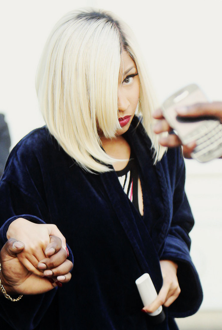 Nicki Minaj new short hairstyle 2013