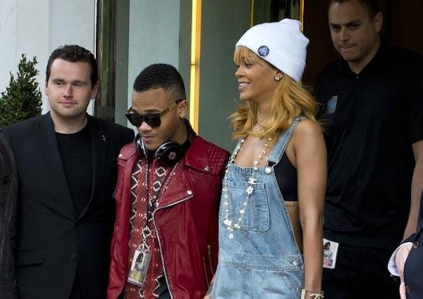 Rihanna london with brother rajad