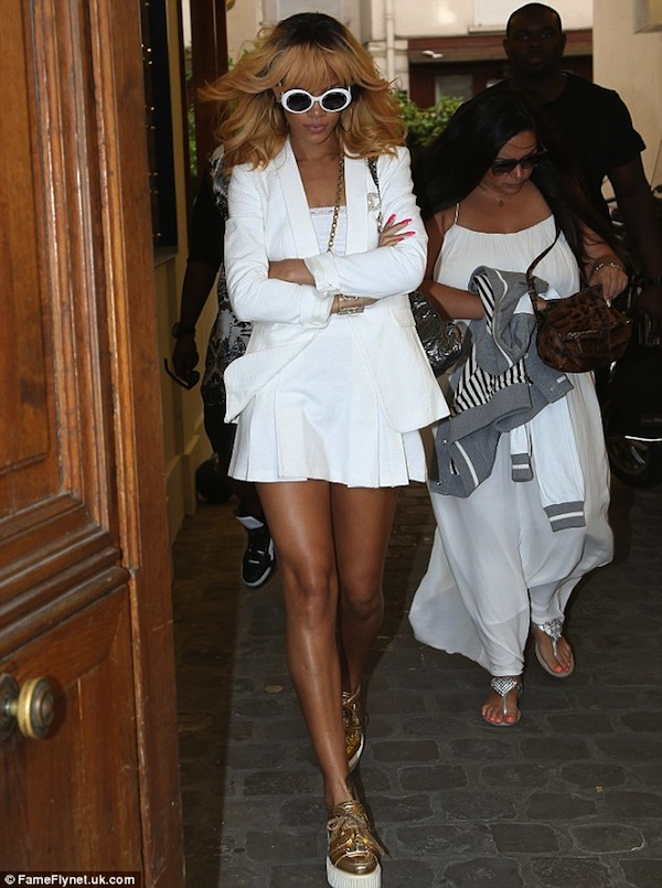 Rihanna coco chanel apartment 5