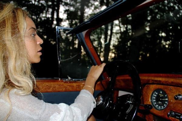 Beyonce driving