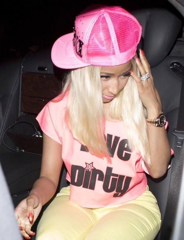 Nicki Minaj giant ring