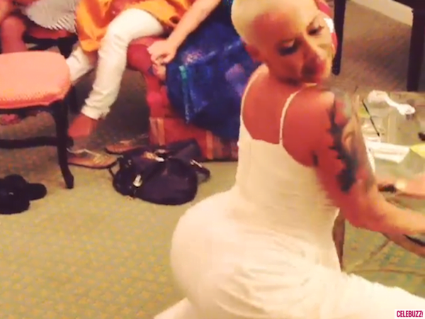 Amber Rose twerking video