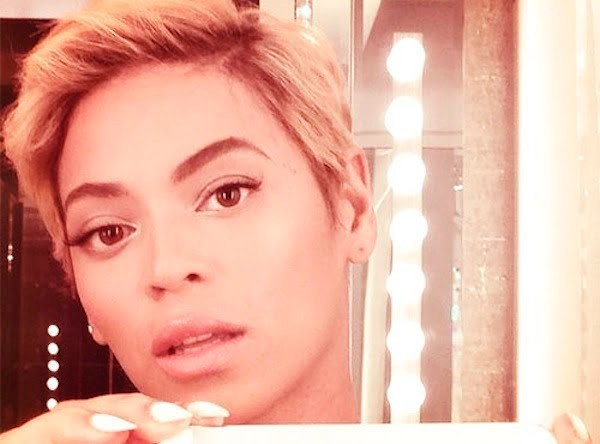 Beyonce Surprised Fans With Short Hair Chops Her Locks Off Photo Urban Islandz