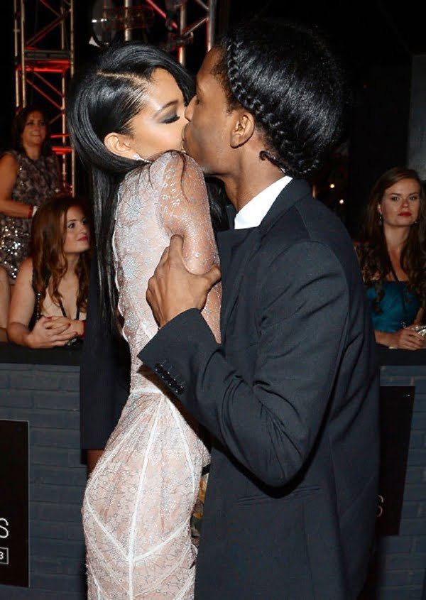 Chanel Iman and ASAP Rocky kiss VMAs