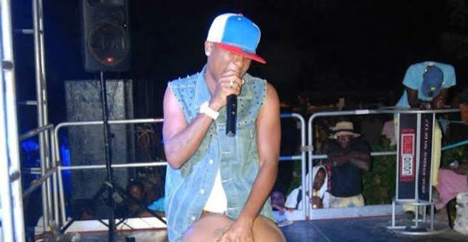 Ratched!.. Dancehall Star Charly Black Made This Girl To Strip Down On Stage [PHOTO]