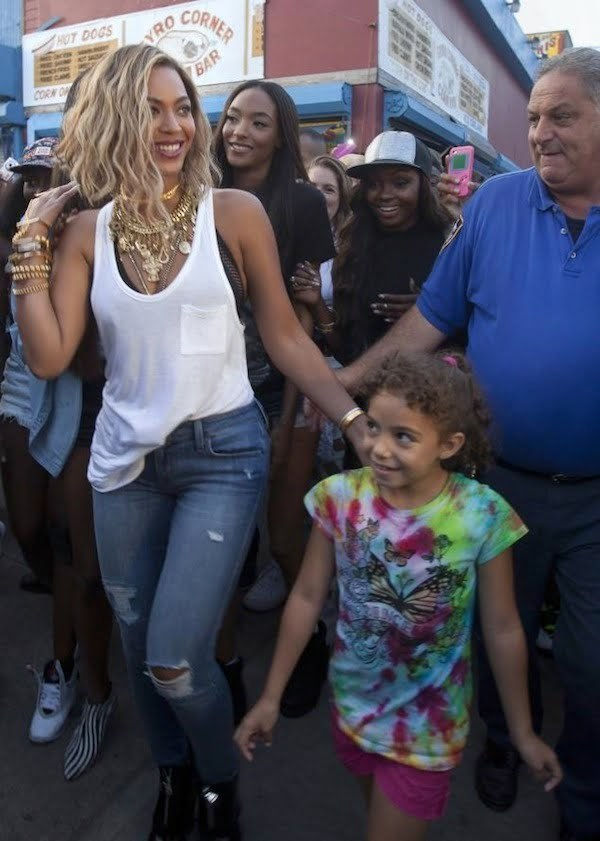 beyonce shoots new music video at coney island photo