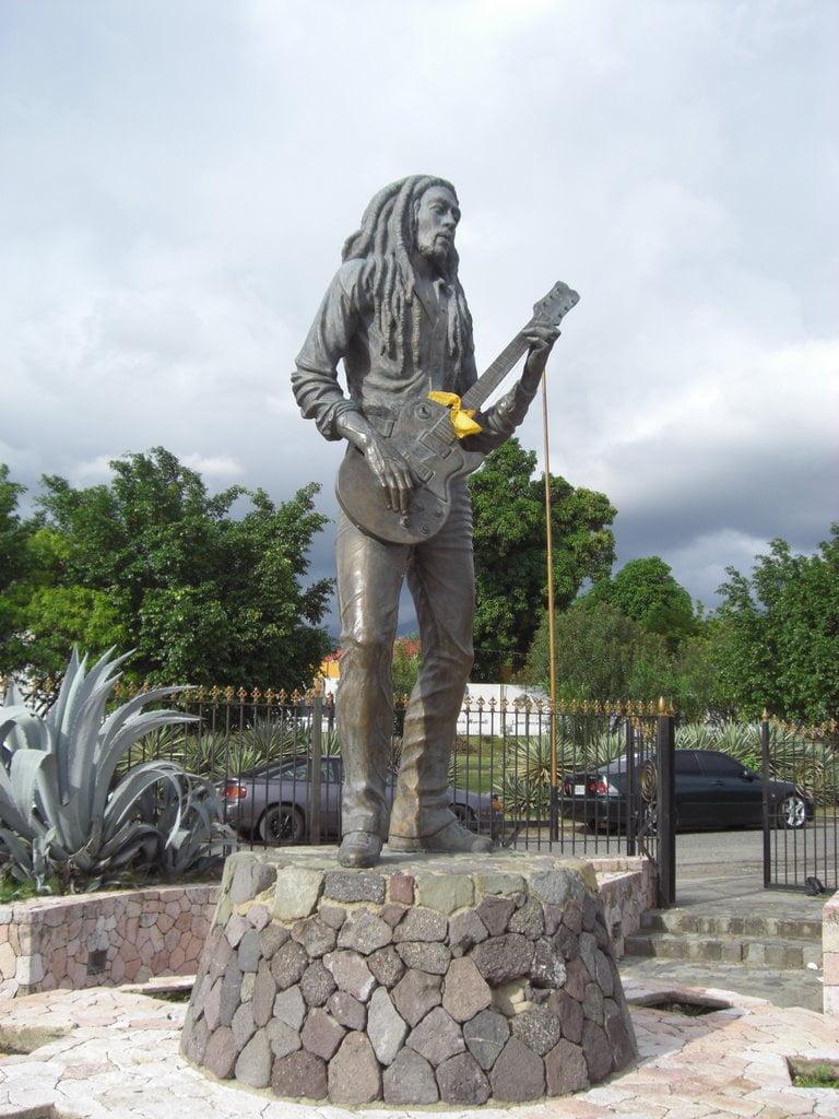 Bob Marley statue 1