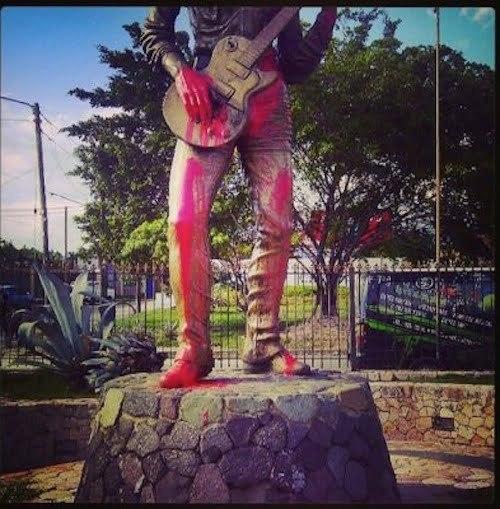 Bob marley statue defaced