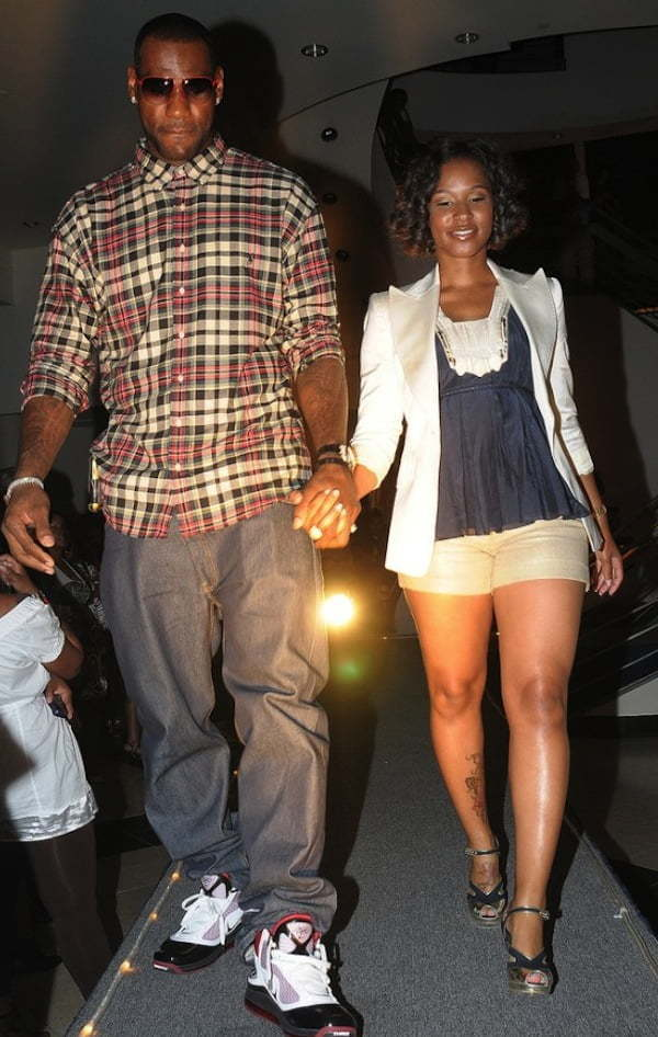 LeBron James Weds Longtime Girlfriend Savannah Brinson ...