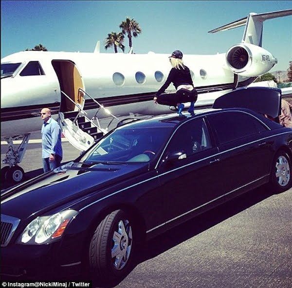 Nicki Minaj private jet