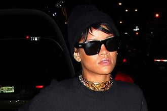 Rihanna Spotted Wearing Chris Brown Gold Necklace [PHOTO]
