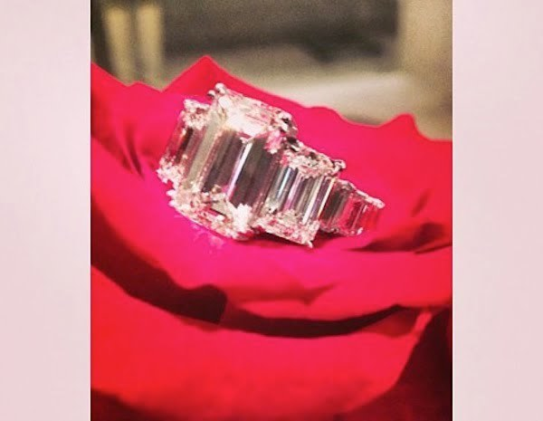 Ciara diamond ring
