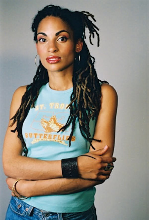 Goapele dreadlocks